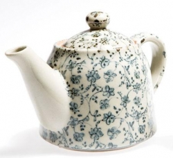Antique Kusa Teapot - Click for more info