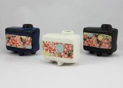Shiki Yuzen Tripod Vase